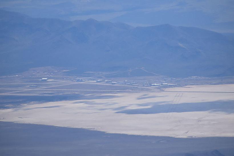 Пилот сделал поразительные снимки секретной военной базы США, известной как «Зона 51»