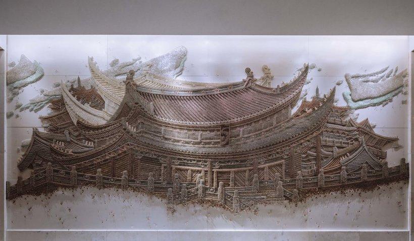 Потрясающая инсталляция из тысяч бусинок и пуговиц, посвященная корейской архитектуре