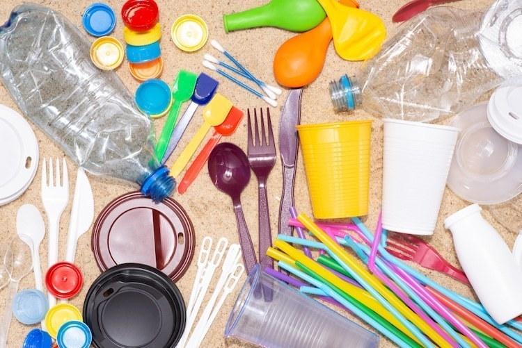 Германия анонсирует запрет одноразовых пластиковых изделий со следующего года