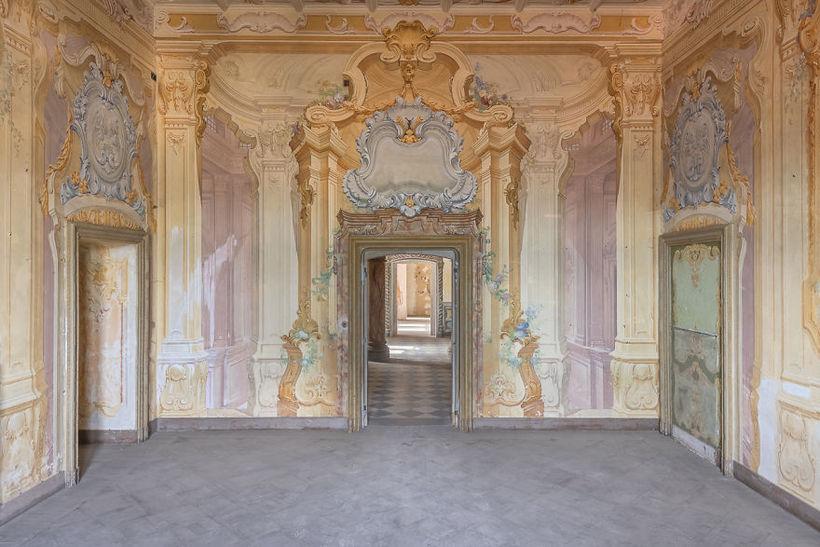 Фотограф путешествовал по Италии в поисках красивейших заброшенных замков