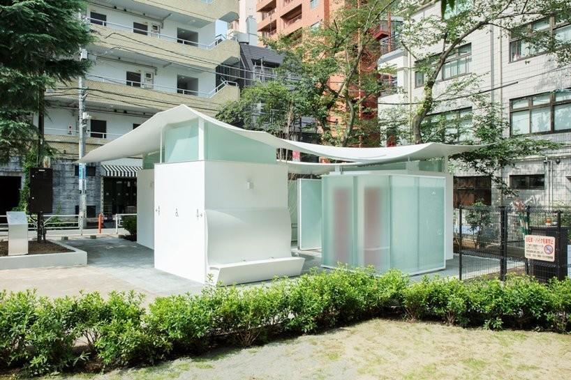 Прозрачные стены, бетон и подсветка: в Токио открыли туалеты, которые похожи на музеи