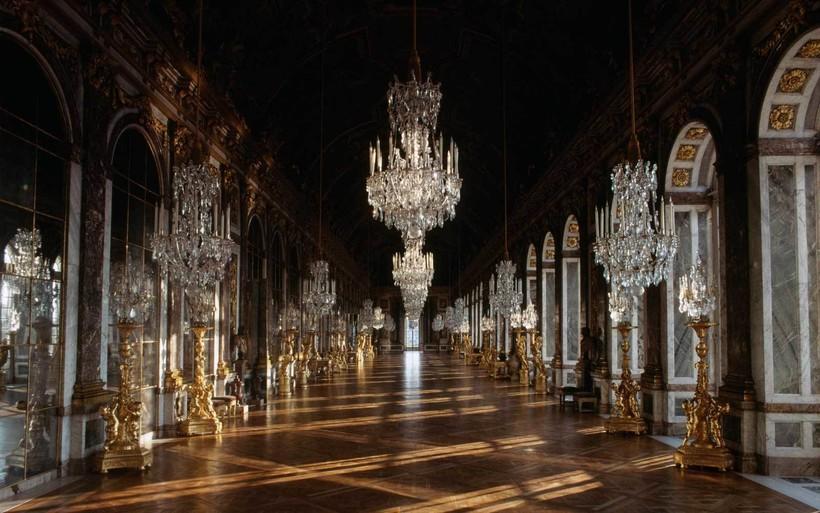 На королевский манер: виртуальные туры по знаменитым дворцам