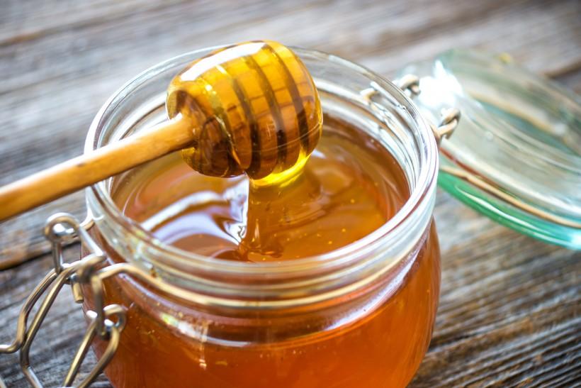 Мед официально признали лучшим лекарством при кашле