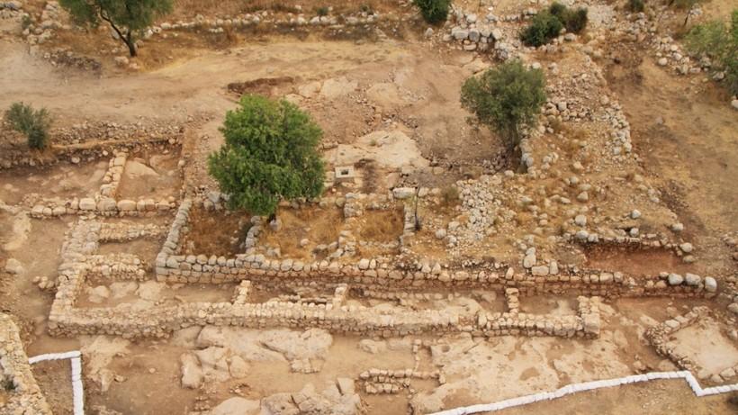 Подводная пирамида и место битвы Давида с Голиафом: находки археологов на Святой земле