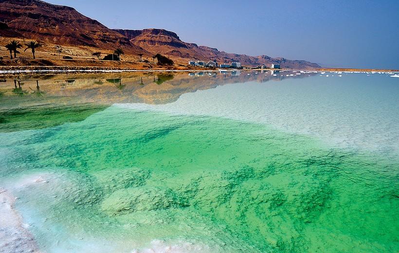 Секреты Мертвого моря: как правильно в него заходить и чего не нужно делать в воде
